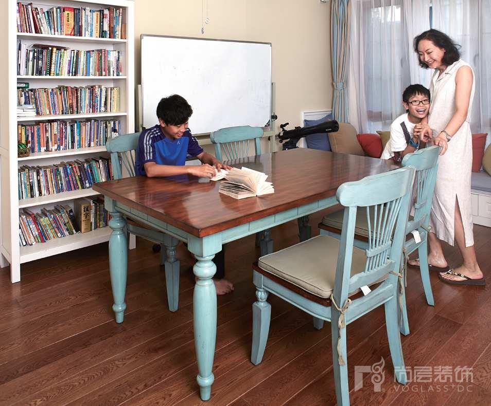 万通新新家园别墅装修女业主与两个儿子