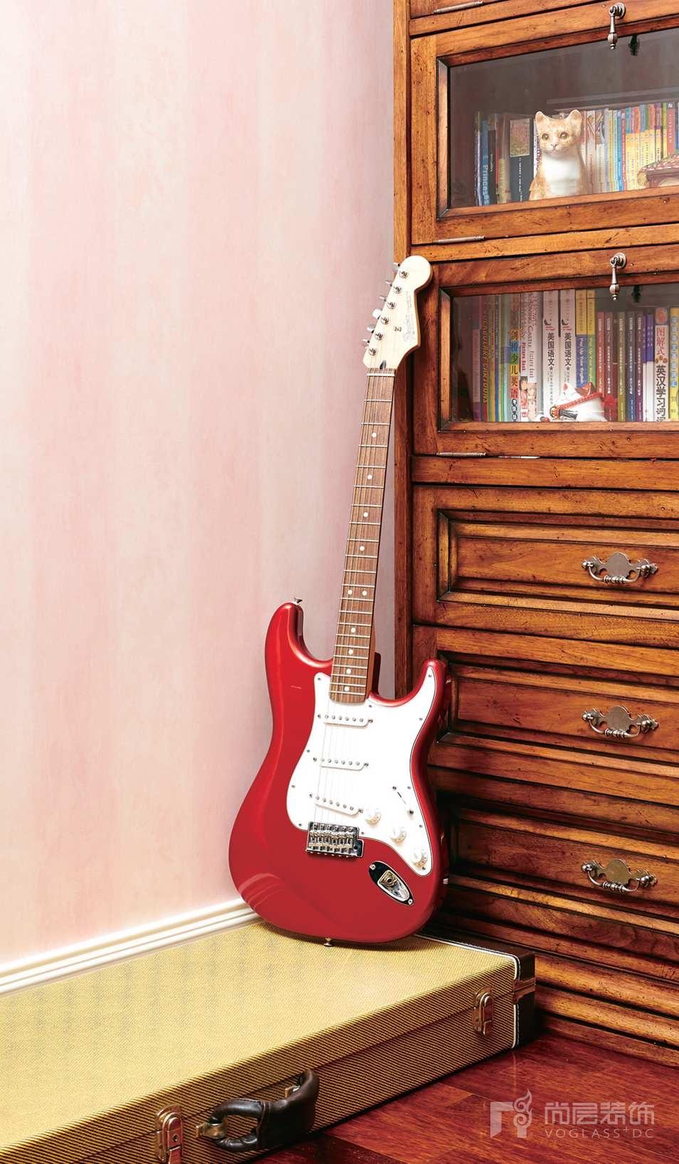 西山林語別墅裝修業主女兒最喜歡的電吉他