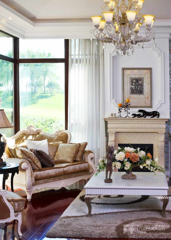 君山高尔夫美式客厅一角别墅装修实景图