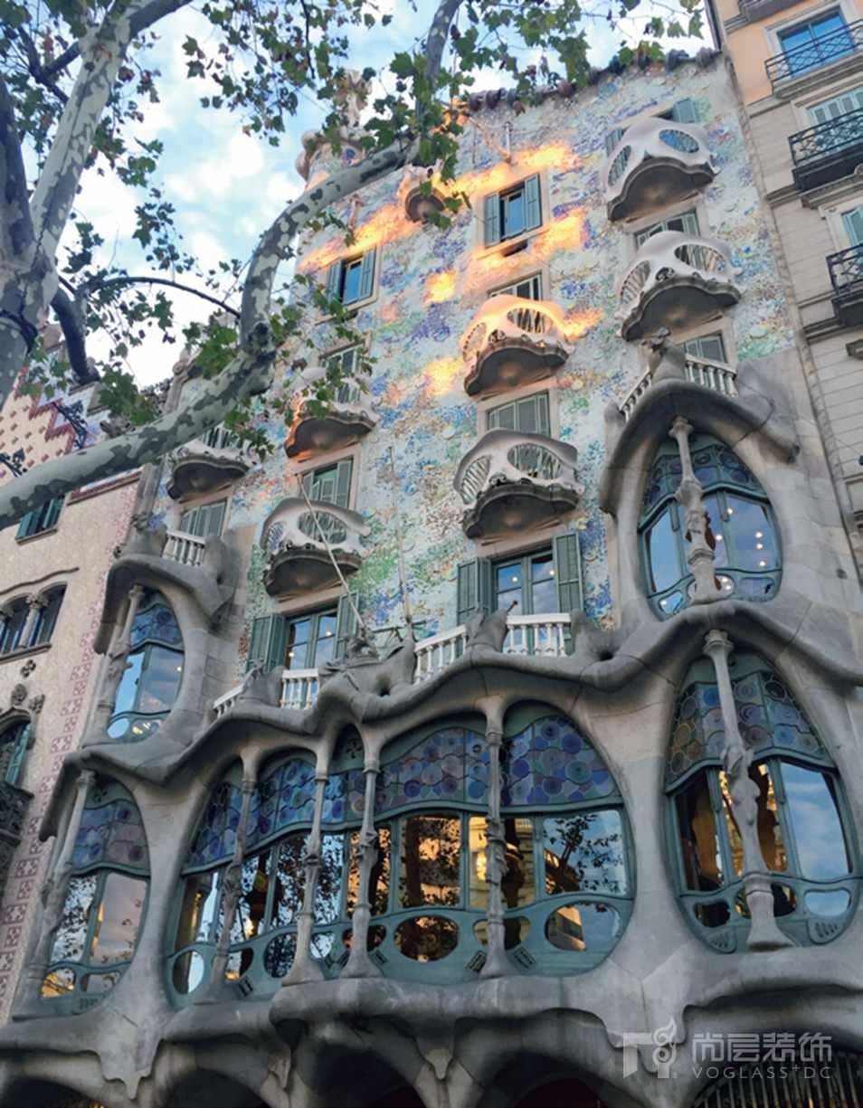 尚层装饰设计师张岭到西班牙游学拍摄的高迪作品