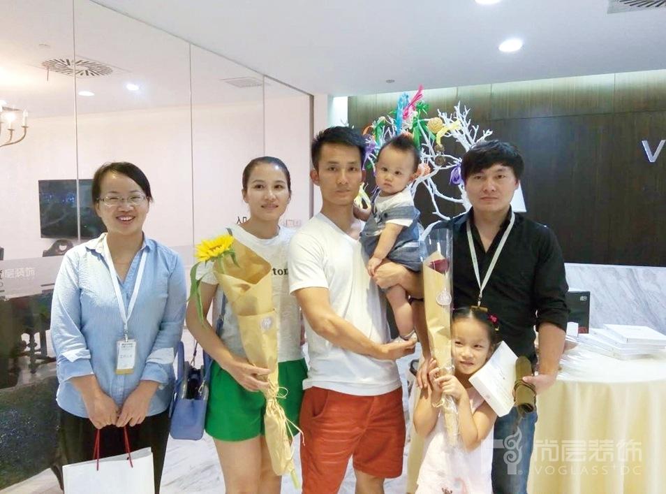 朱晓玲和她的同事们