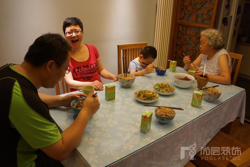 春妮老师和她的家人们