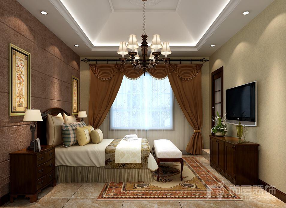 这是一套位于的北京湾独栋别墅装修设计,设计师何杰将传统的东方主题和西方细节合理调和,打造出充满灵动之气的新中式风格别墅,对称的结构及陈列方式透露出仪式感,木材料与竹装饰的运用体现了新中式风格的韵味,不同程度的深浅色调搭配最大限度地把控与呈现空间美感。在对比和调和中主人的品位跃然于家中。