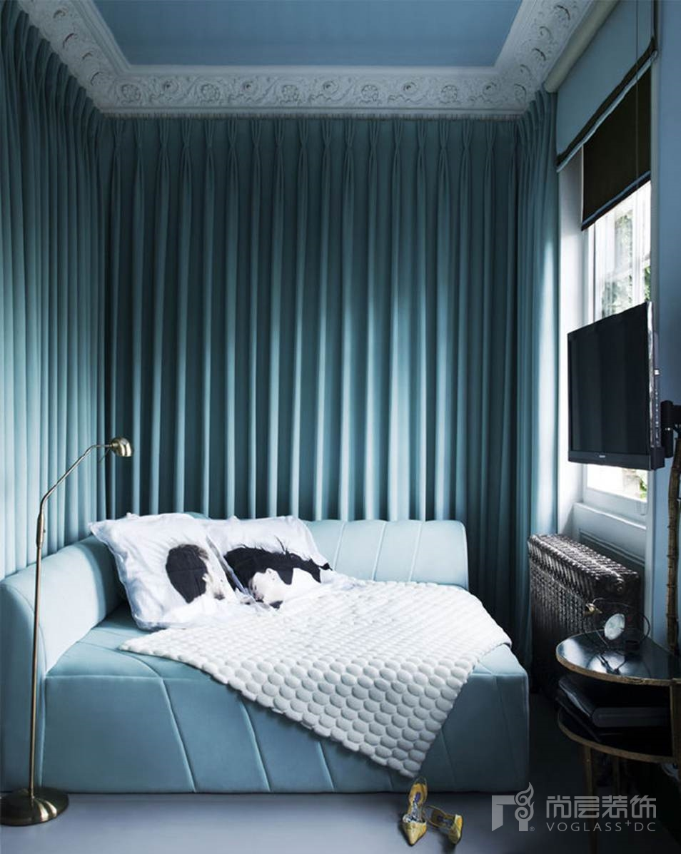 尚层别墅软装蓝色卧室色彩搭配