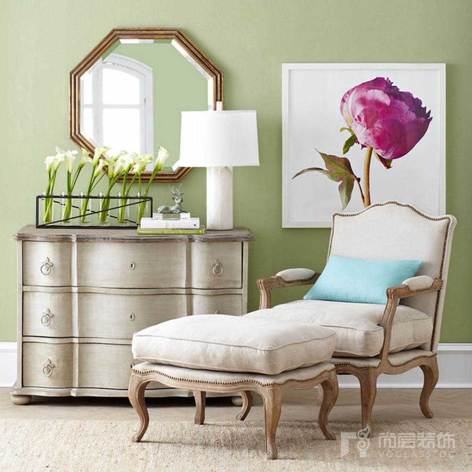 尚层室内软装配饰简洁的画品