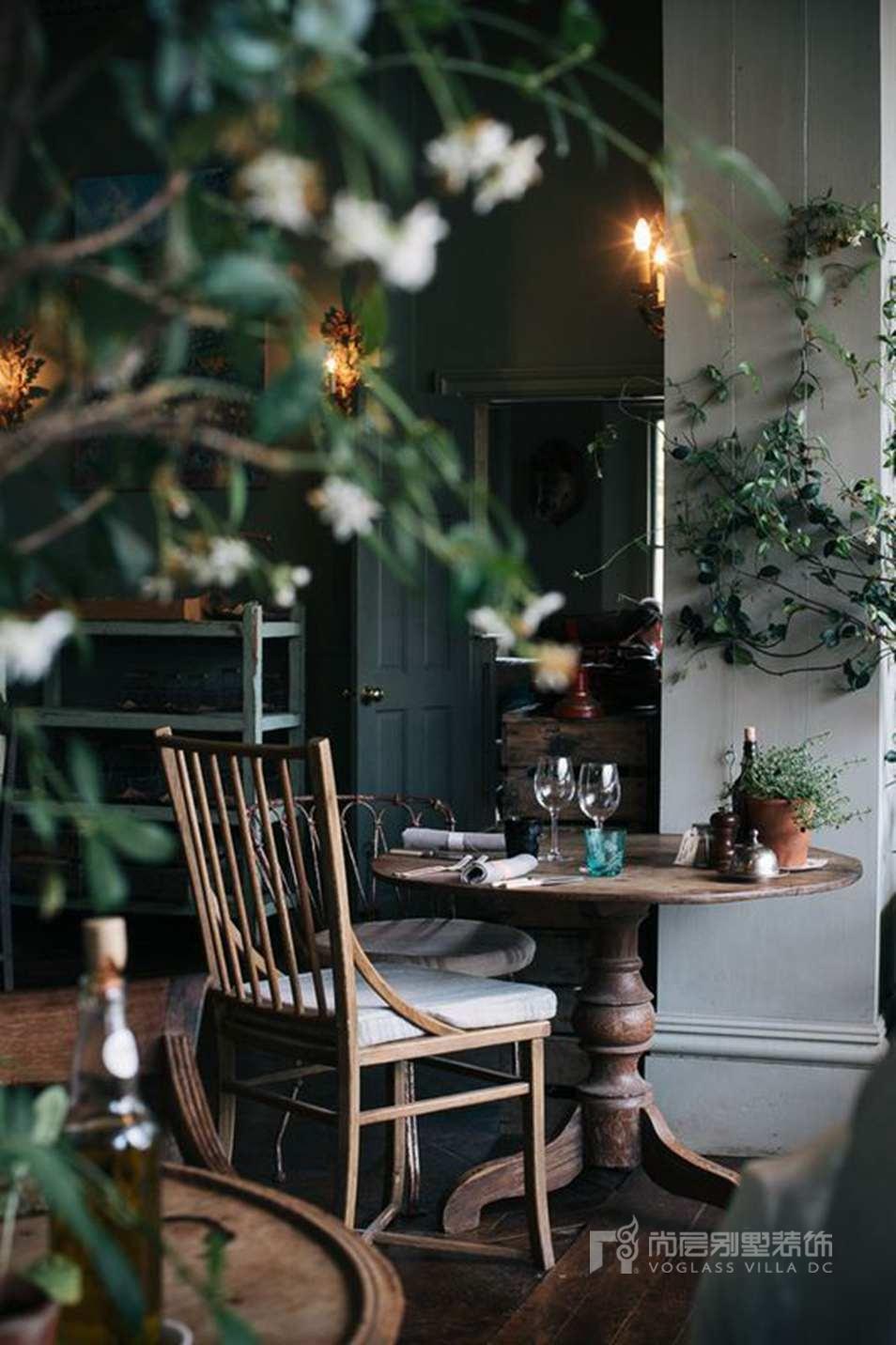 别墅装修餐厅实景图