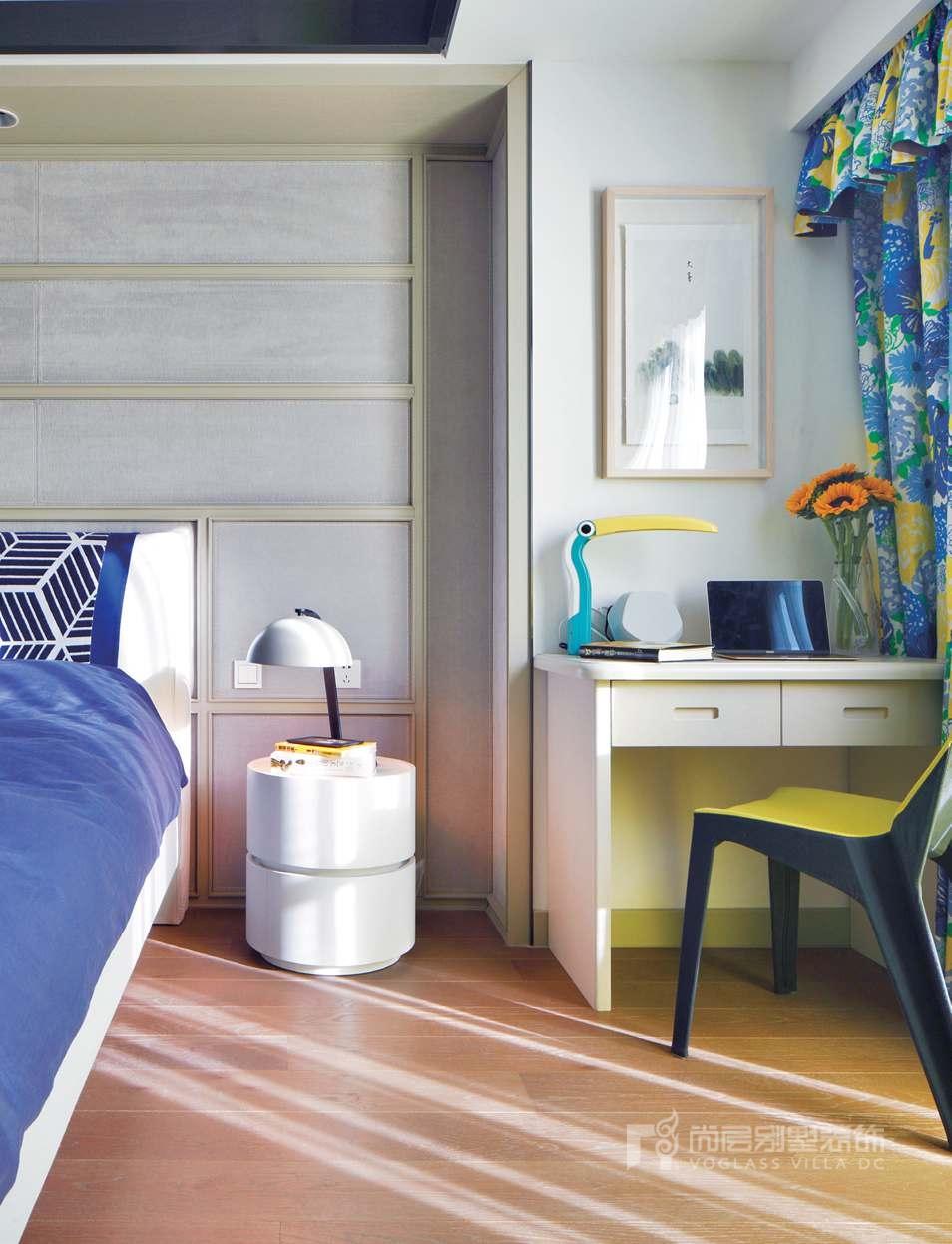 别墅装修案例卧室实景图