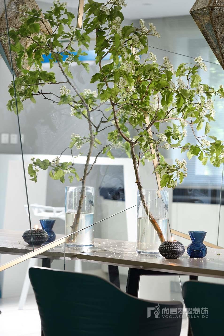 海德公三居室现代混搭风格餐厅装修实景图