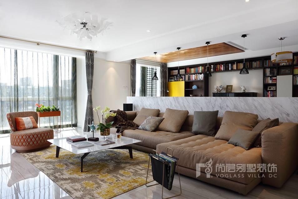 观湖国际别墅现代客厅装修实景图