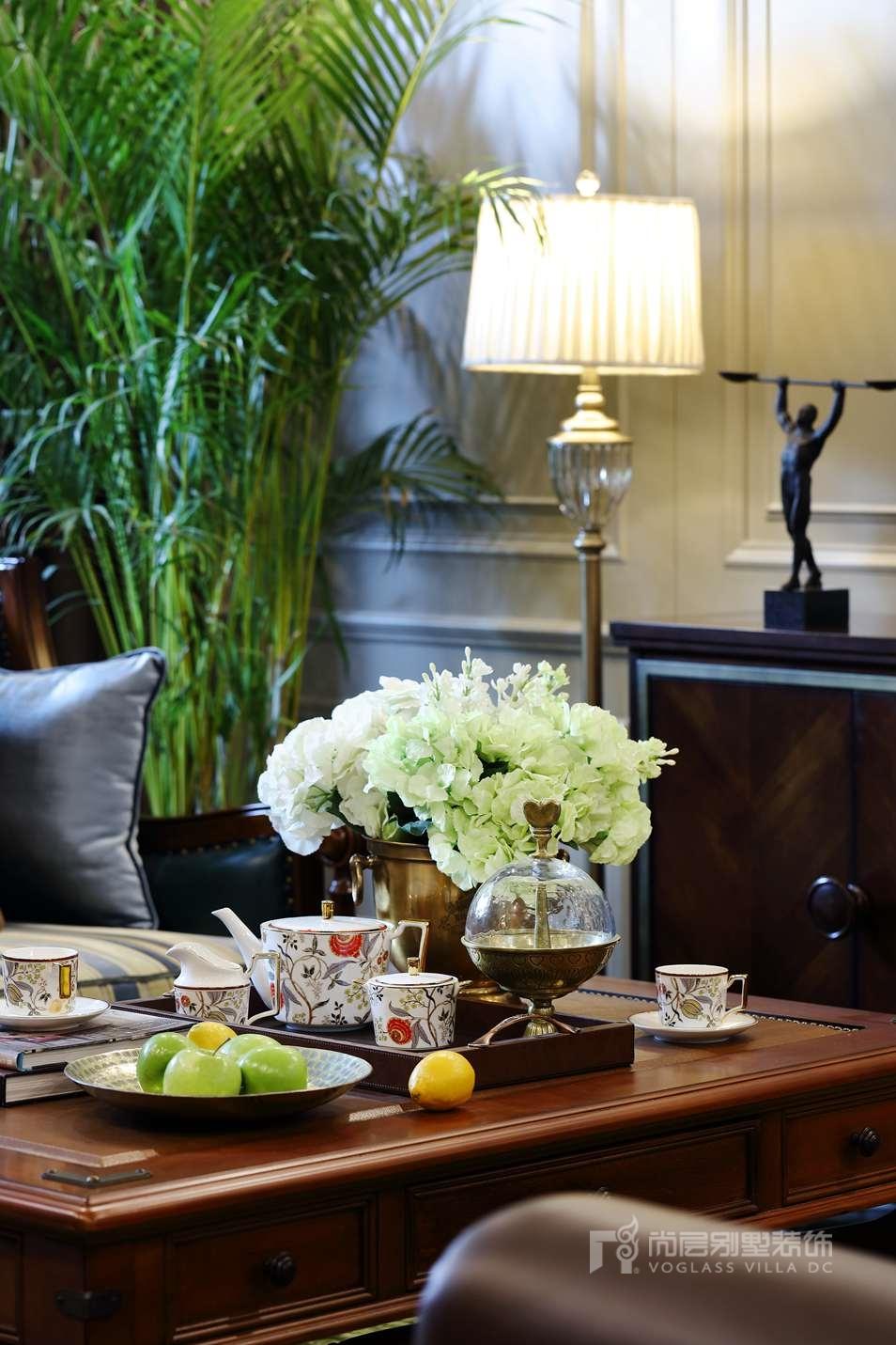 枫丹壹号别墅美式新古典客厅装修实景图