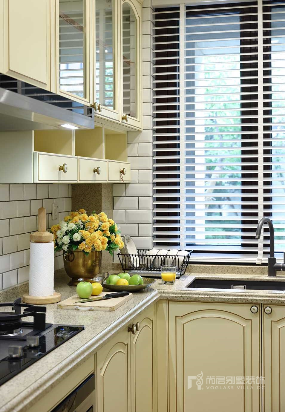 枫丹壹号别墅美式新古典厨房装修实景图