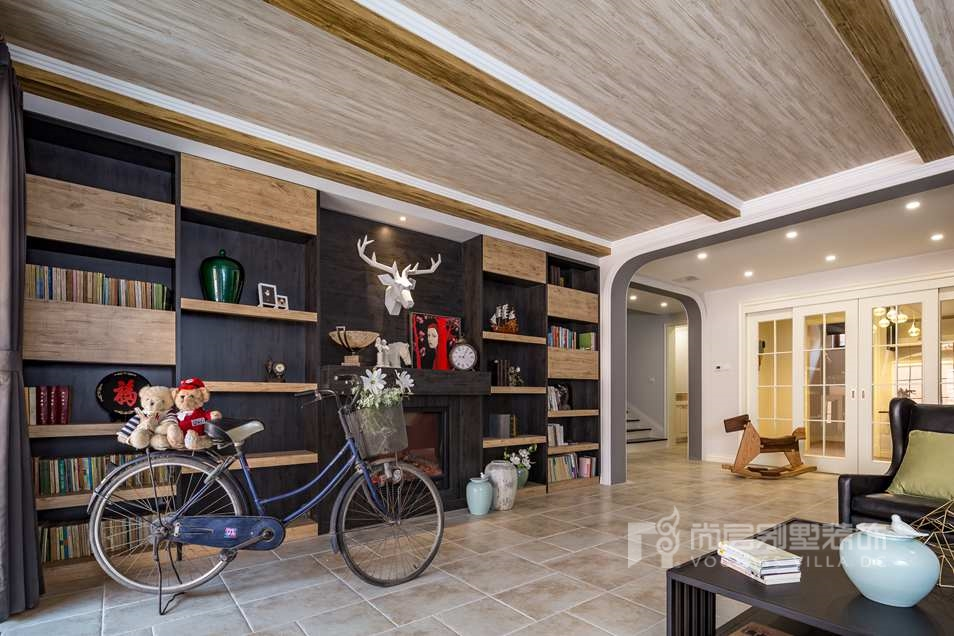 观山悦别墅自然风格起居室装修实景图
