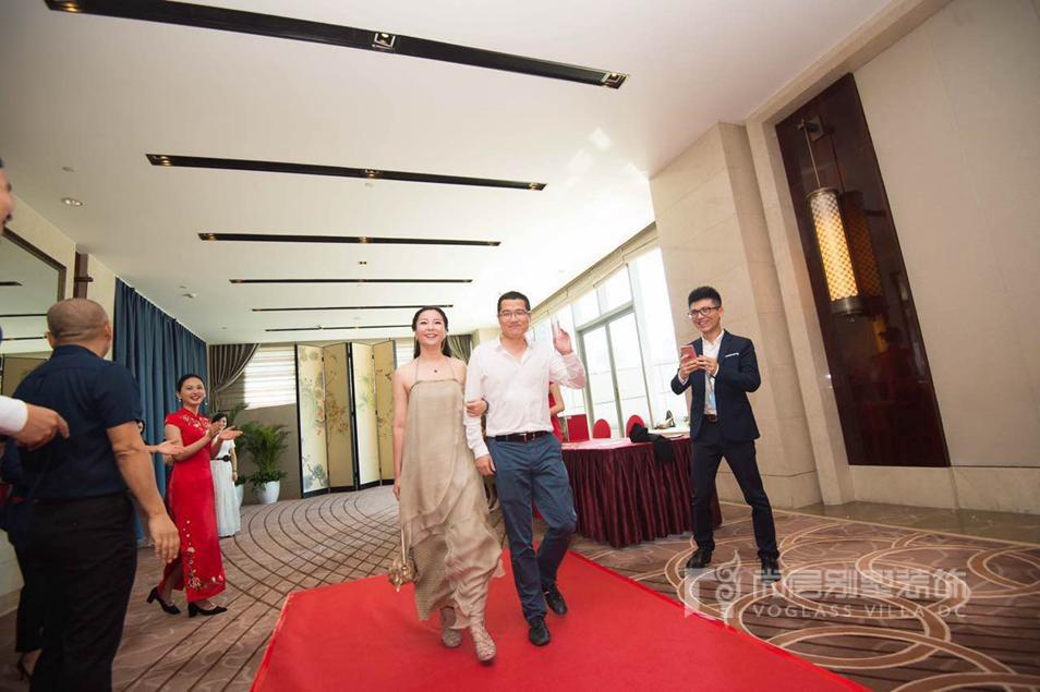 尚层董事长林云松先生走红毯