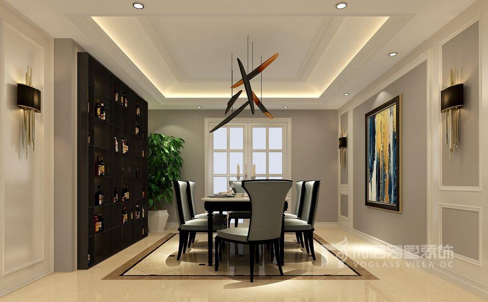 一面墙的装饰酒柜及墙面的艺术壁画,使得餐厅清新自然,让人食欲大增.