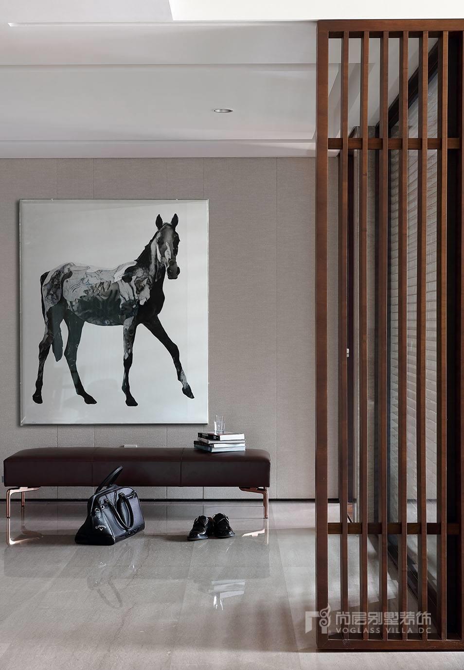 280㎡现代简约高端别墅装饰实景案例夏梦  项目面积:280m² 设计风格:现代简约 预约设计商务洽谈18120046661【可加微信】 嘈杂的城市充斥着快节奏的人群,回到家中却需要一丝宁静与安逸。 生活品质就是如此简单,它不是从与别人比较中来的,而是自己人格与风格求好精神的表现。