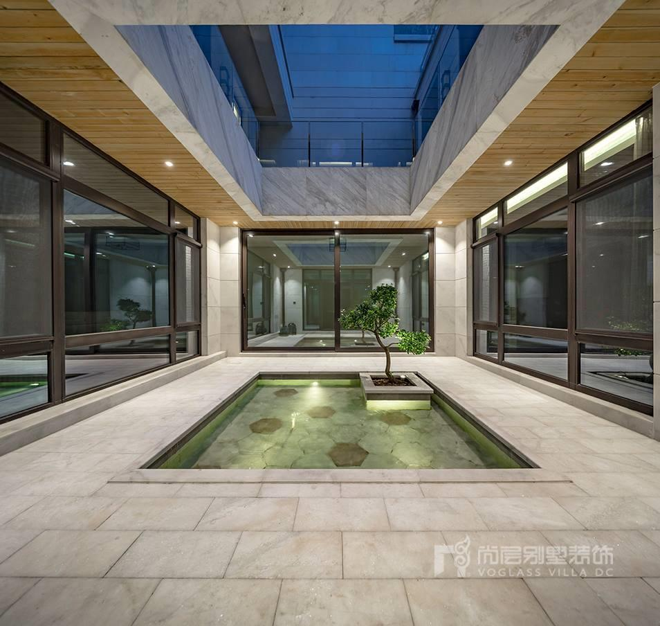 尚层高级设计师侯志杰,在此别墅装修的地下室中,采用四合院别墅设