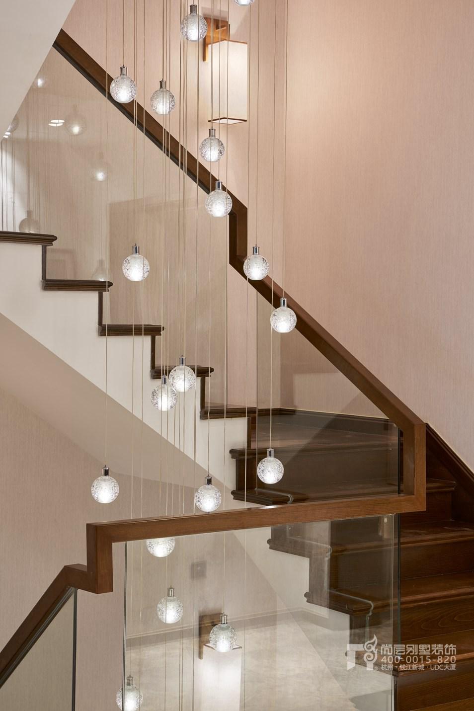 楼梯转角新中式风格别墅装修设计样板房