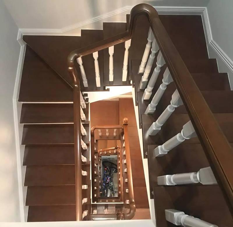 楼梯俯视实景图