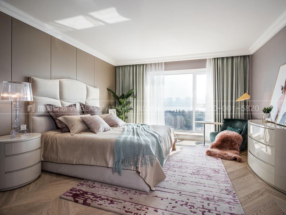 阳光海岸现代轻奢风格跃层样板间装饰设计