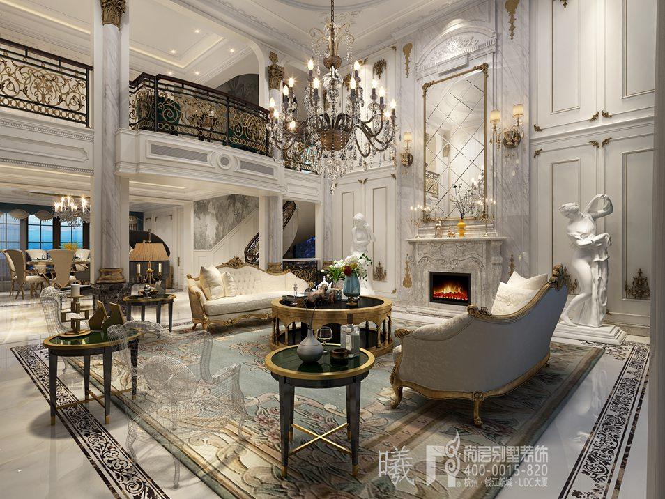 客厅是一个两层打通的挑空结构,别墅装修设计师彭老师在建筑结构上以法式风格独有的廊柱、弧形垭口、高壁炉装饰,配合这些丰富的建筑形式,在硬装装饰上金属质地的雕花镂空栏杆与建筑完美交融。  在软装家具配饰的选择上,设计师也侧重于选择一些体型硕大,偏高端大气的款式。花纹地毯、米色沙发、金属材质的包边、精致的水晶吊灯,空间异彩纷呈。