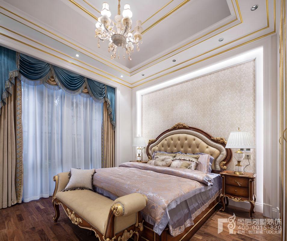 别墅主卧室