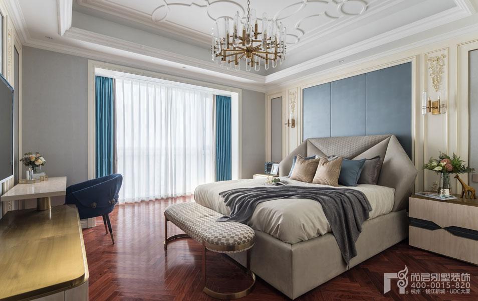 法式卧室实景图