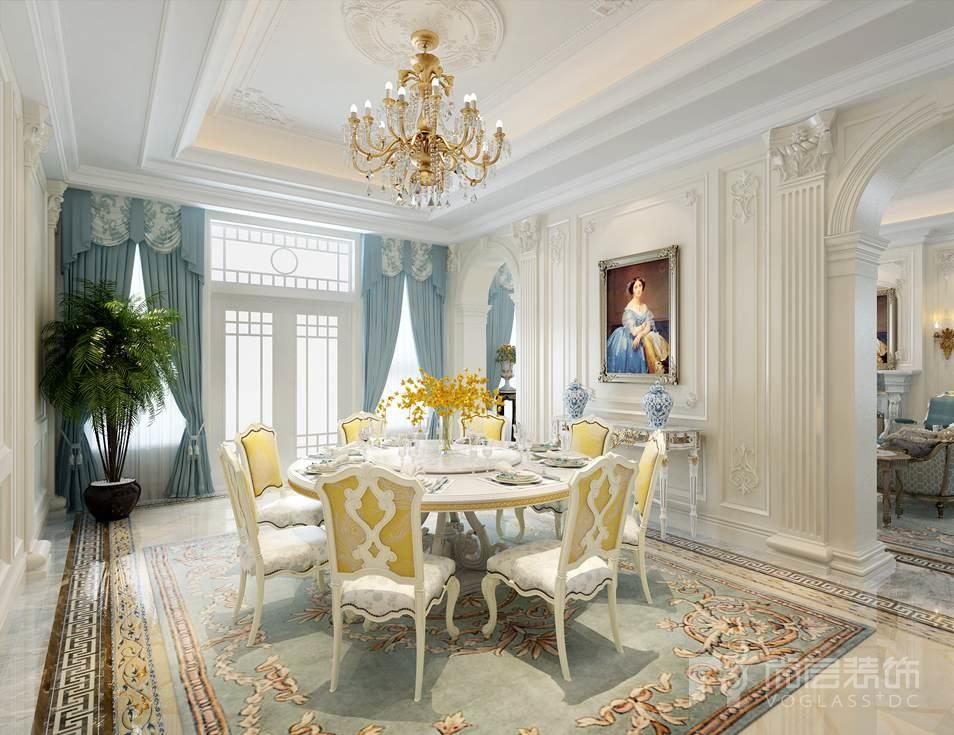 蜿蜒柔滑的线条将洛可可的细腻柔媚传承着,精美而现代的造型家具将新古典的格调一一展现着,那么当新古典遇上洛可可,又会有怎么样的际遇呢?本案例是北京别墅装修公司尚层装饰设计师张栋勋老师的碧水庄园项目,采用法式新古典风格,演绎令人怦然心动的情愫。楼梯厅
