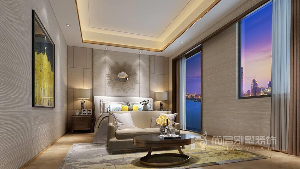 室内设计手法上,简化了线条的繁琐装饰,以层次丰富而稳重的简化木线条