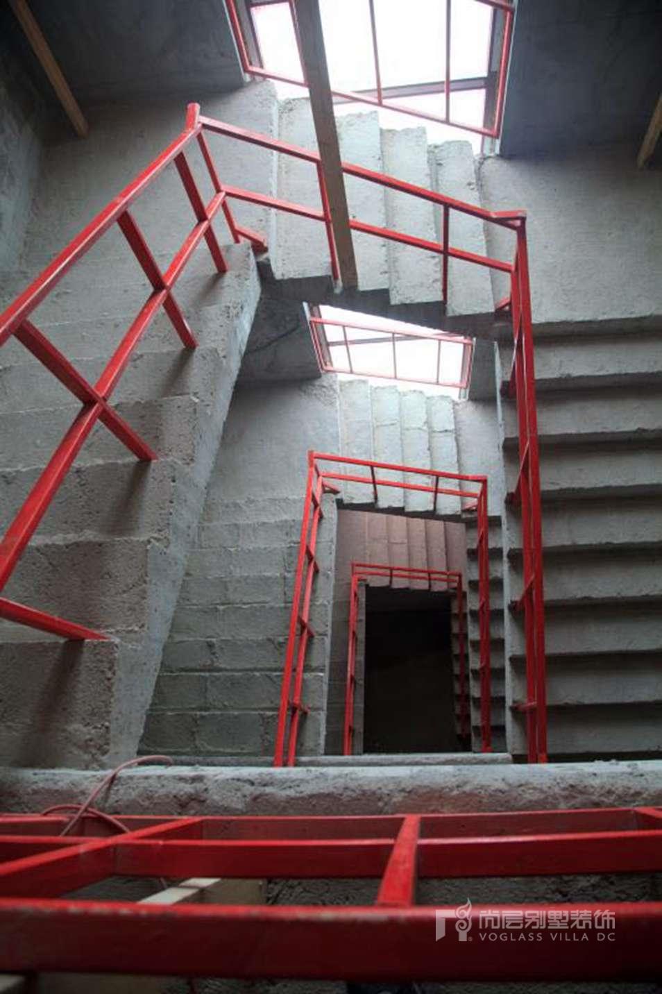 尚层装饰的加装楼梯防护栏